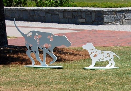 two dogs sculpture