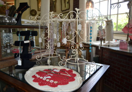 jewelry stands