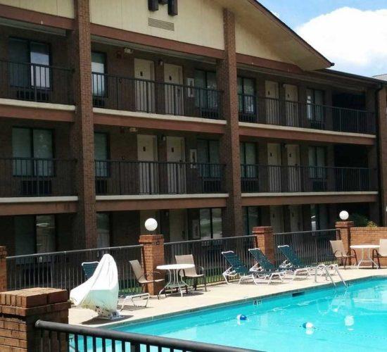 bricklodge-pool-exterior