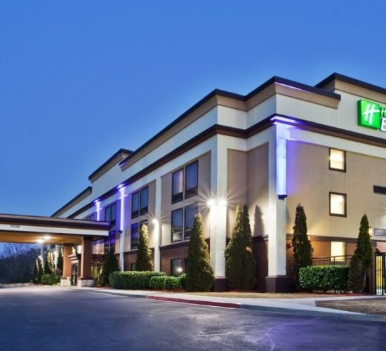 holiday inn express peachtree coners